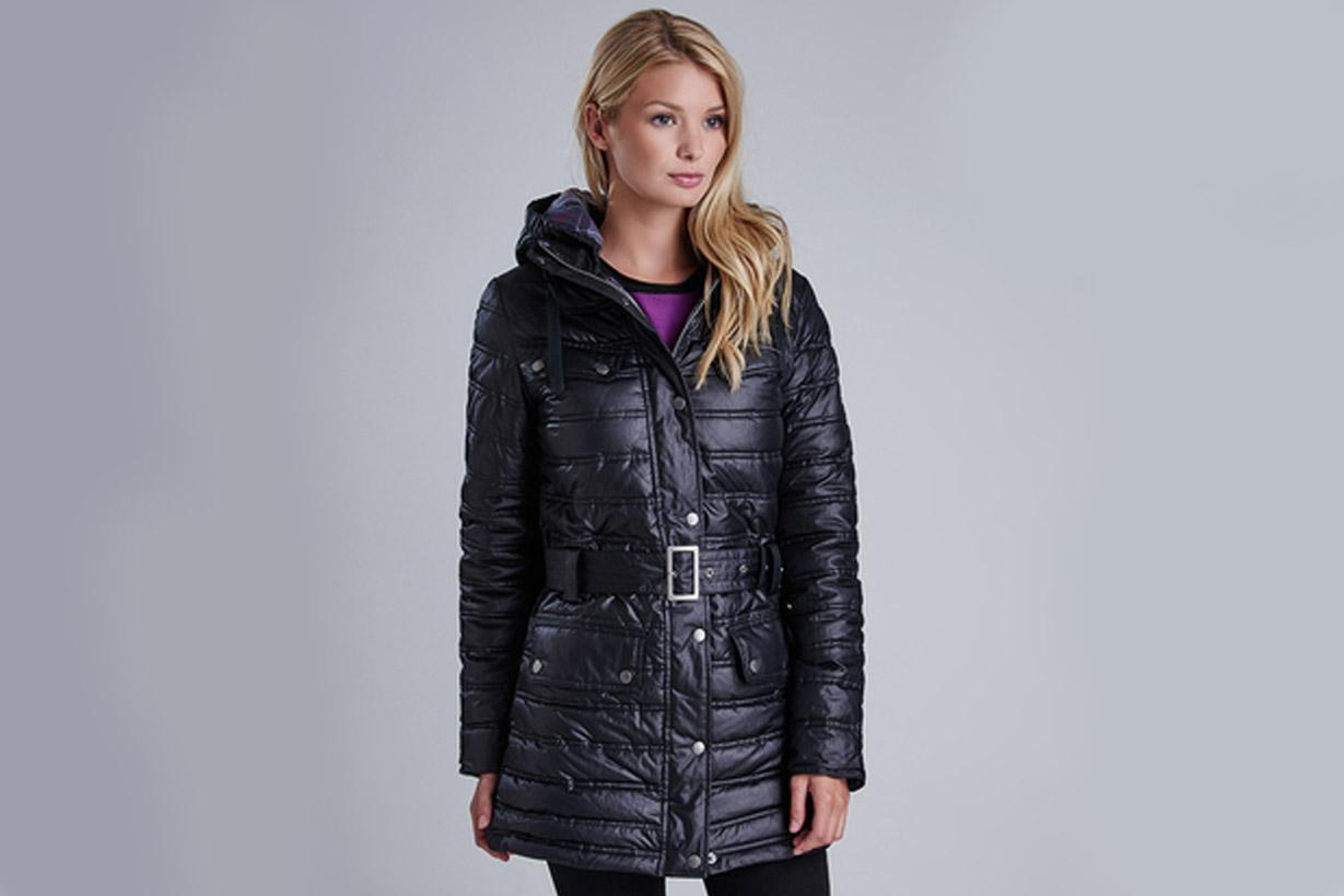 abrigo plumas negro barbour mujer 03
